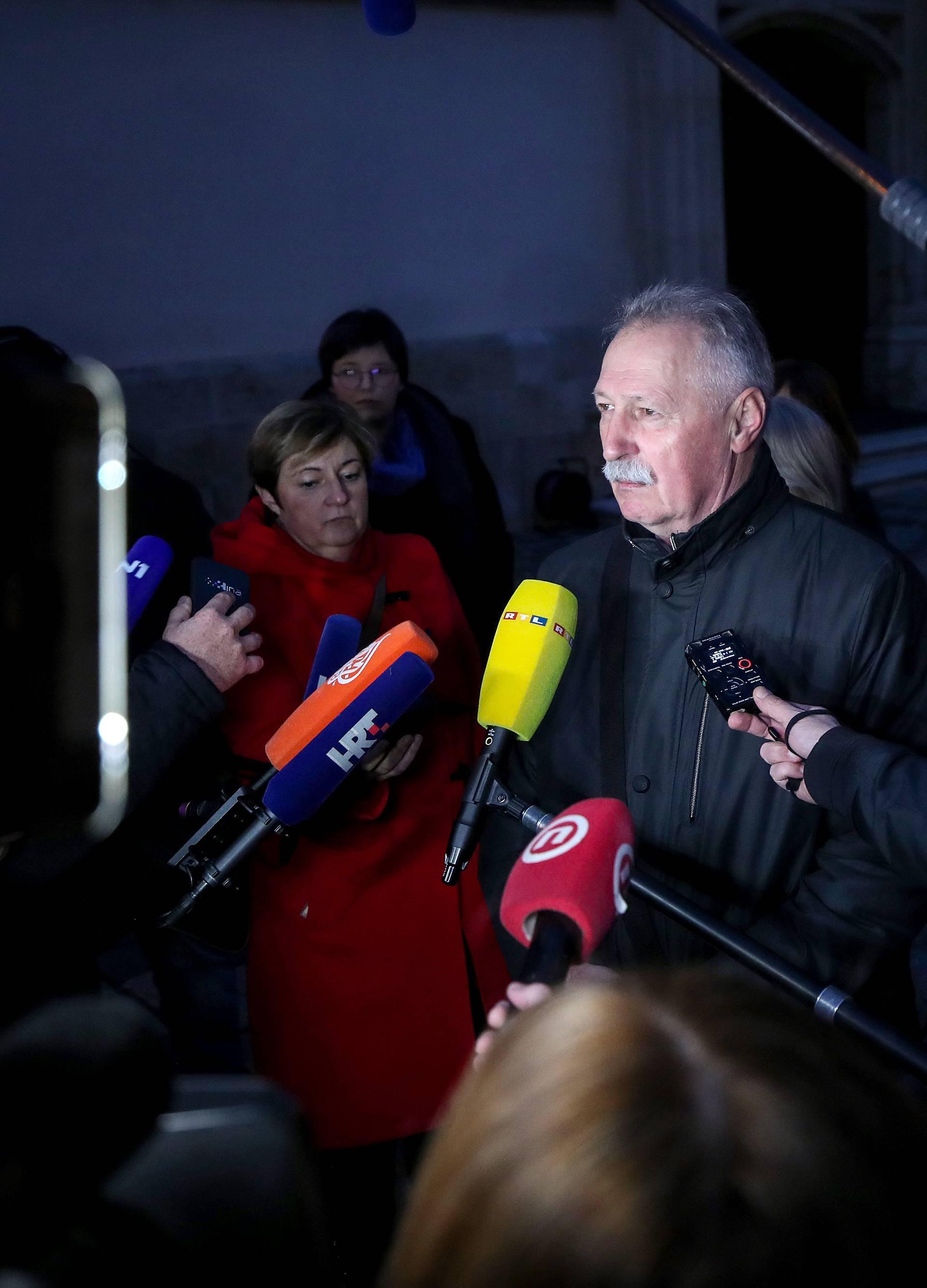 Zagreb: Predstavnici sindikata dolaze u zgradu Vlade na nastavak pregovora