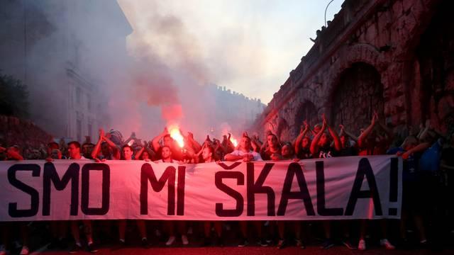 U Rijeci prosvjed potpore Matku Åkalameri, skup organizirala Armada