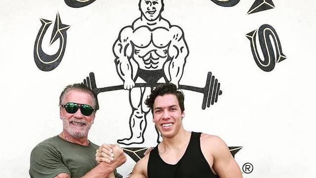Schwarzeneggerov isklesani sin se hvali: Postao sam biznismen