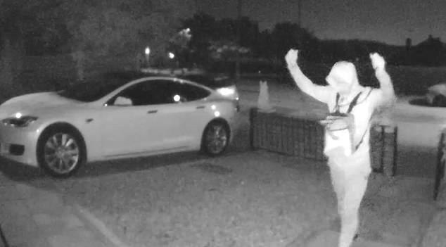 Lopovi imaju nove fore: Ukrali Teslu i nestali za 30 sekundi
