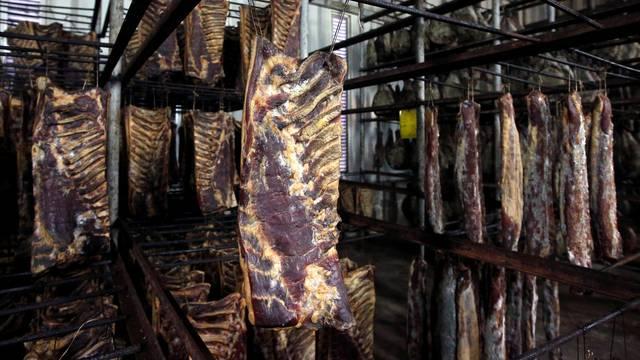 U Šibeniku su pancete i pršuti osušeni i spremni za distribuciju