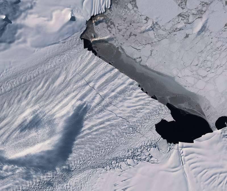 Pogledajte video: Odlomio se ledenjak veličine otoka Paga