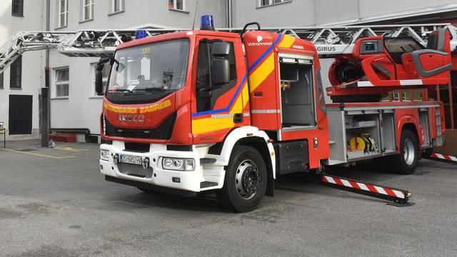 Zagreb: Javna vatrogasna postrojba dobila vatrogasno vozilo za spašavanje s visina