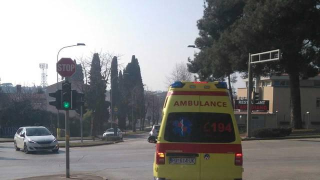 Pula: Radnik propao kroz krov i pao sa sedam metara visine