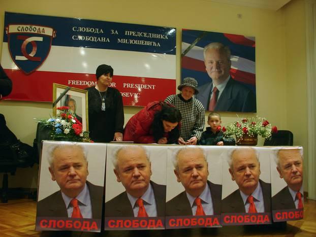 Serbs mourn Milosevic