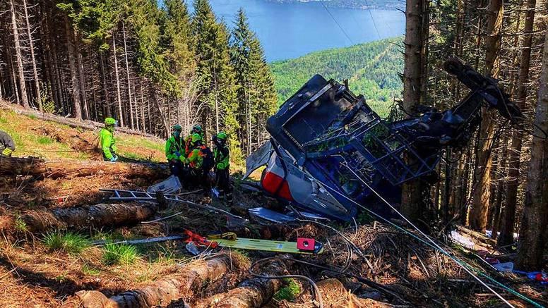 Vatrogasac koji je prvi stigao na mjesto nesreće: 'Užasan prizor. Crvena kabina. I svi mrtvi...'