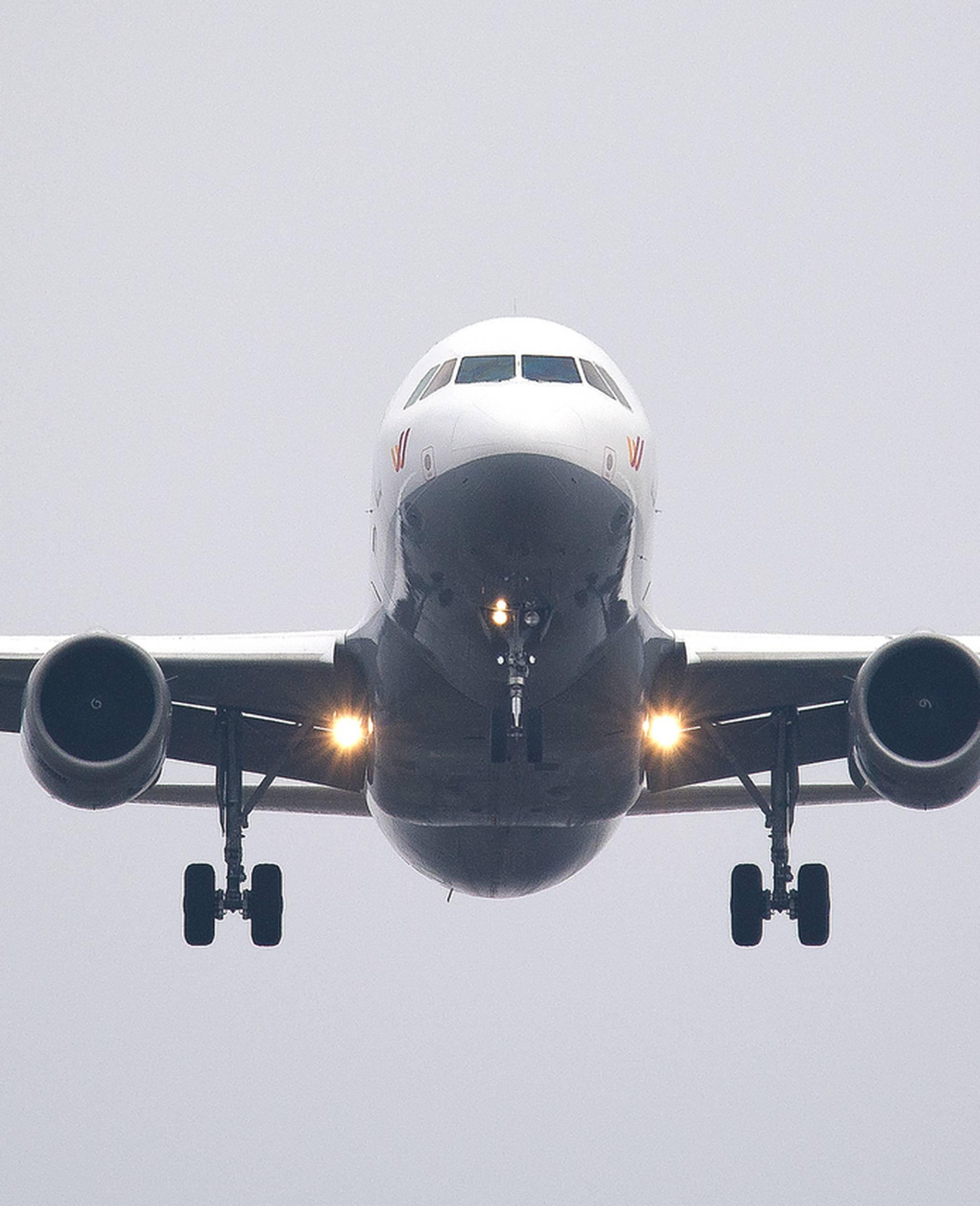 Riješen misterij: Ovo je razlog zbog kojeg su avioni bijele boje