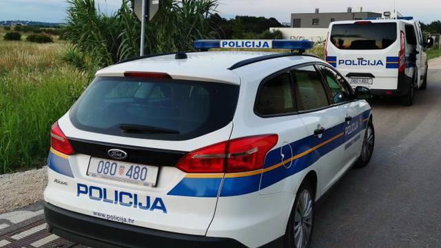 Napali policajce u Vukovaru, a jednog udarili šakom u glavu: Sad su u  istražnom zatvoru