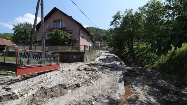 Kaos kod Zaprešića: Poplavile ulice, odron im je ugrozio kuće