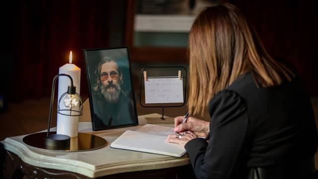 Osijek: Komemoracija za preminulog glumca Sašu Anočića