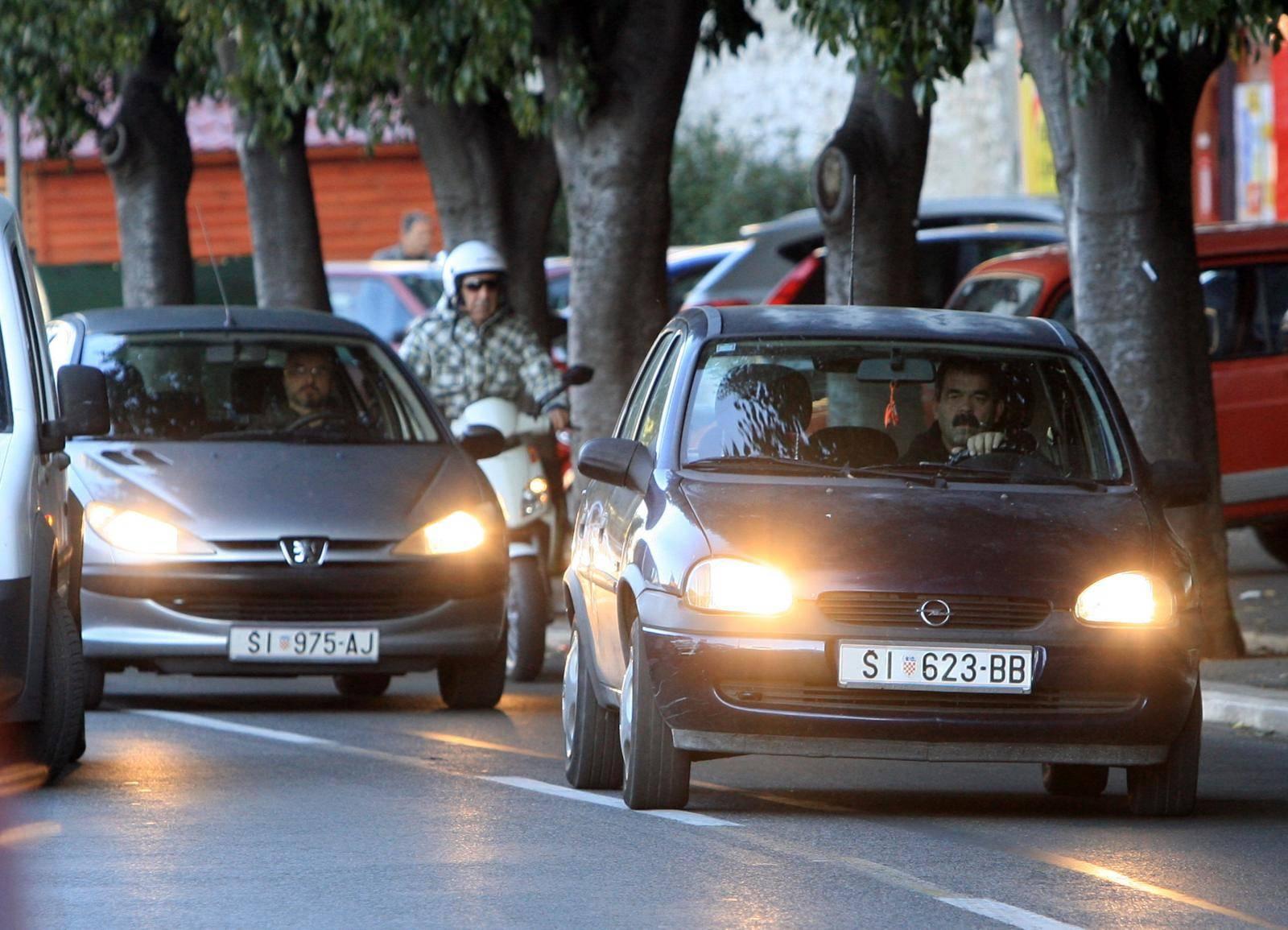 Vozači, oprez: Svjetla više ne palimo sa zimskim vremenom