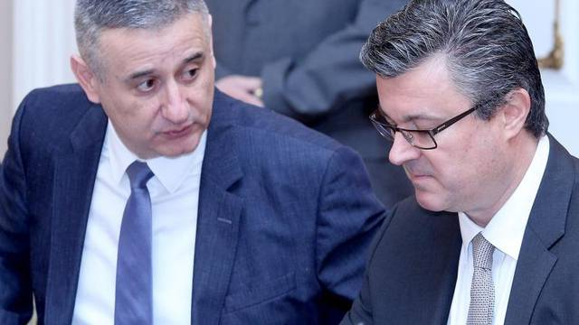 'Izbor šefa SOA-e je udarac za HDZ, i za Karamarka osobno'