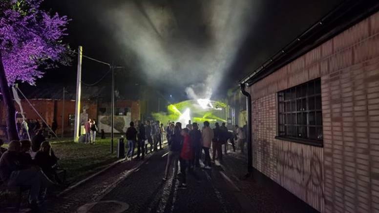 Velika gužva u kineskoj četvrti u Novom Sadu: New age četnici i Eko četnici mlatili se na izložbi