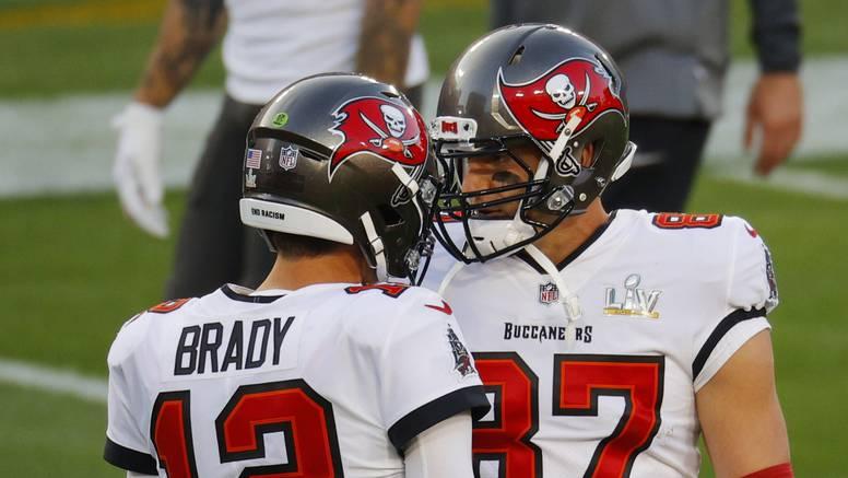 Tom Brady tek u 10. Super Bowl nastupu stigao do touchdowna u prvoj četvrtini: I to za Gronka!