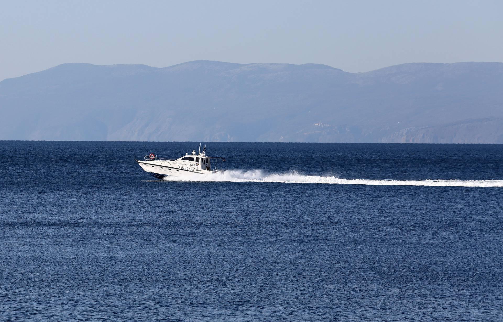 Gliser Pomorske policije na Kvarnerskom zaljevu