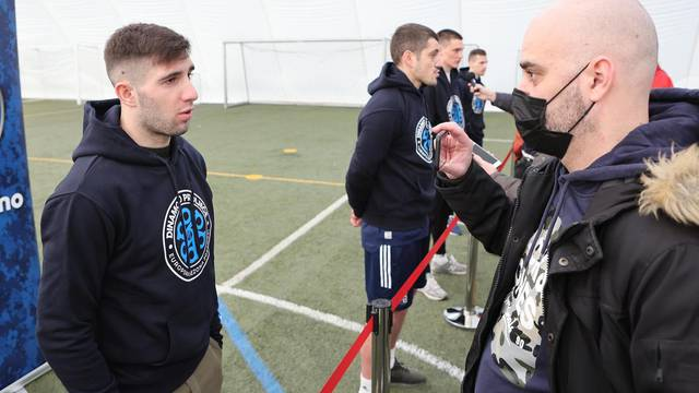 Zagreb: Druženje nogomtaša Dinama s novinarima uoči utakmice protiv Krasnodara
