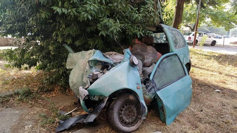 Muškarac i žena poginuli u sudaru s kombijem kod Trebinja