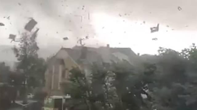 Tornado i oluje u Europi: Udar munje ozlijedio 15 nogometaša
