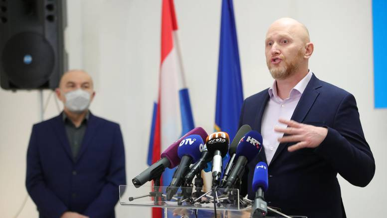 'Dolazi nova epizoda, vrijeme kad gradonačelnik Milan Bandić postaje - Mile Obećanović'