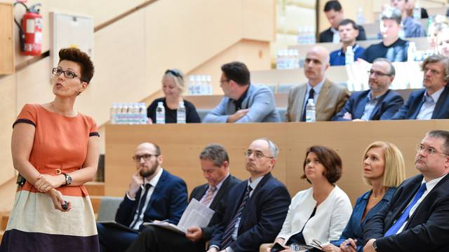 """Zagreb: Konferencija """"Indeks digitalizacije - potencijal i prepreke bržem rastu"""""""