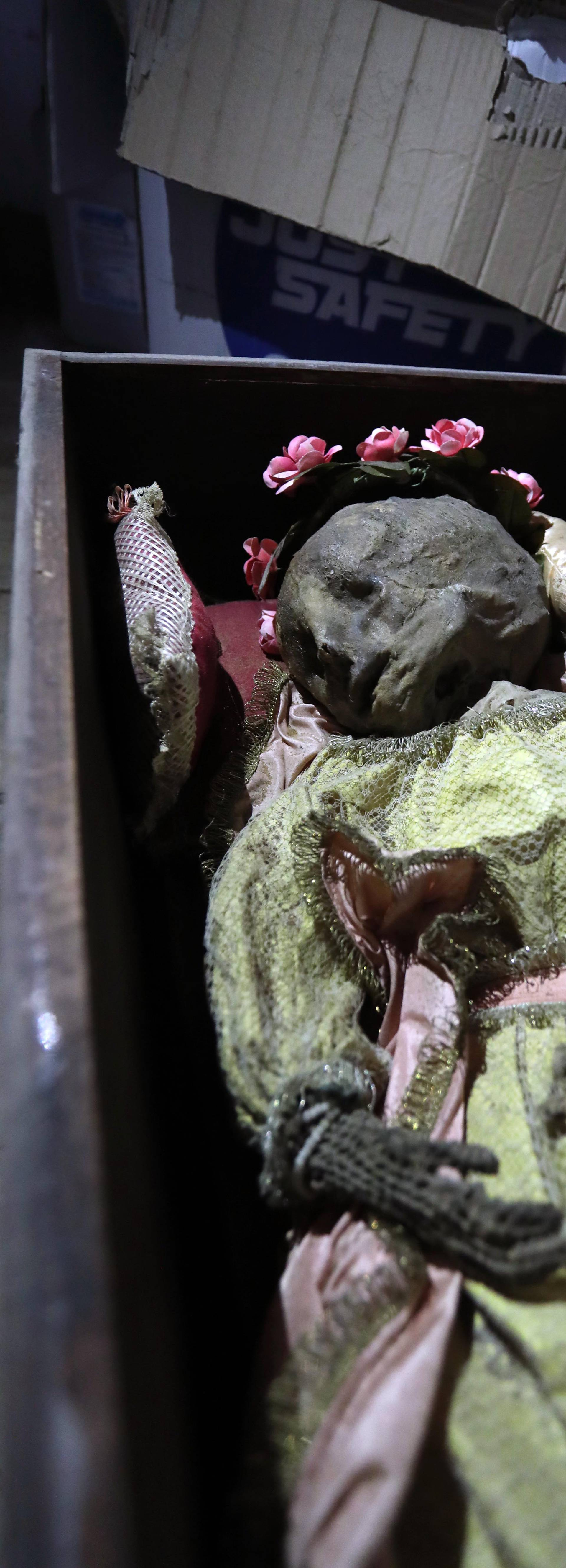 Palermo, a mummified child found in a trunk in the graveyard of the scrolls