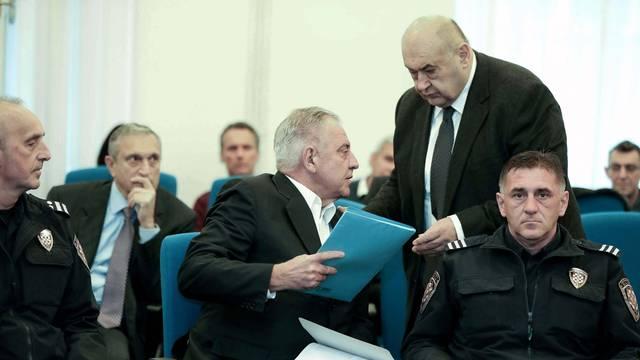 Zagreb: Ivo Sanader u pratnji pravosudnih policajaca dolazi na Županijski sud