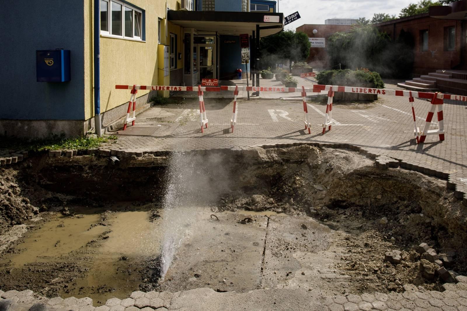 Velik dio Zagreba nema tople vode, opet je pukao vrelovod