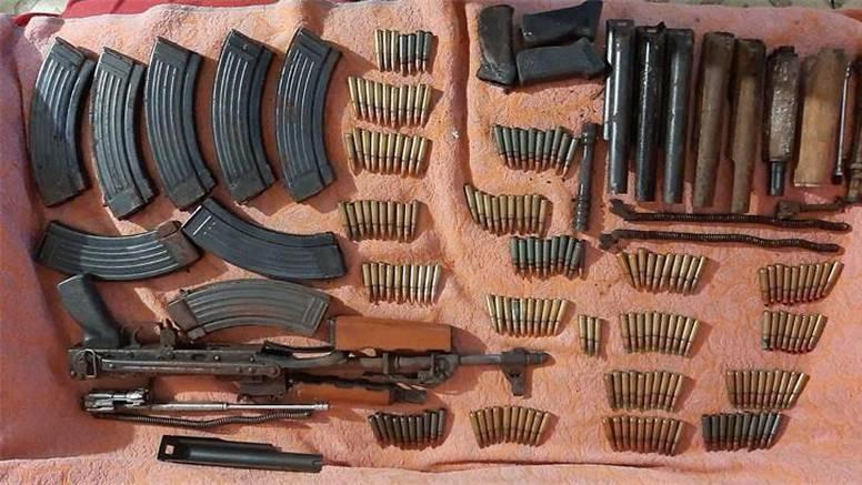 Pretragom mu pronašli vojno oružje i eksplozivna sredstva