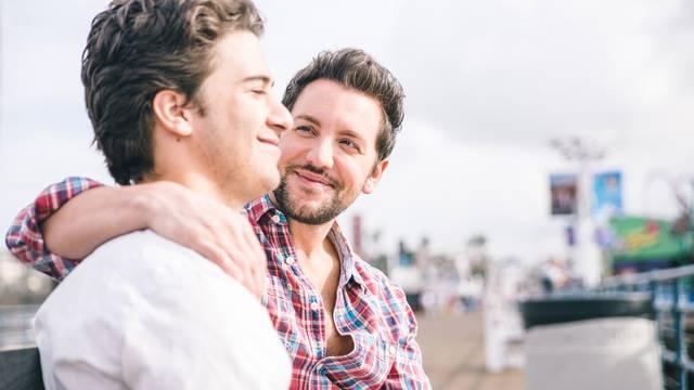 Znanstvenici: 'Gay muškarci više obolijevaju od raka kože'