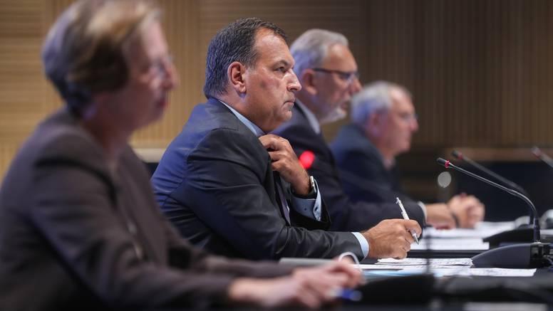 Stožer civilne zaštite donio 8 novih odluka: Produljili trajanje covid potvrda na godinu dana