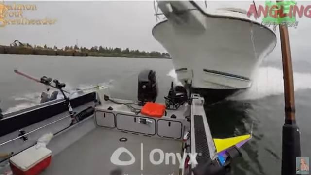 Spasili se zadnji čas: U ribare se zaletio gliser, skočili u vodu