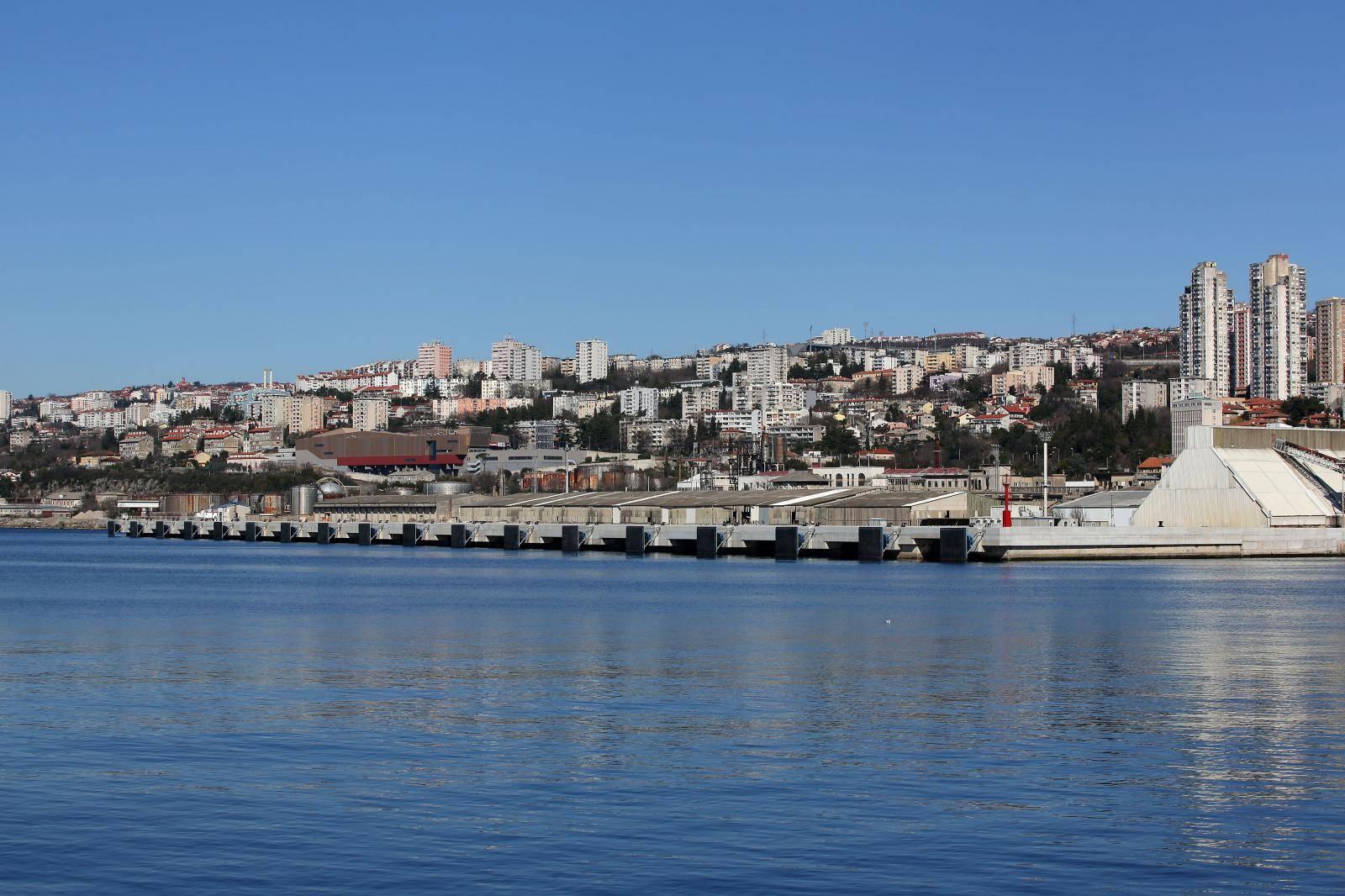 Zagrebacka obala, novi  moderni kontejnerski terminal u Rijeci