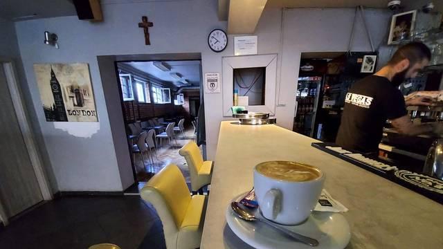 Zagreb: Od danas su kafići ponovo počeli raditi i unutra