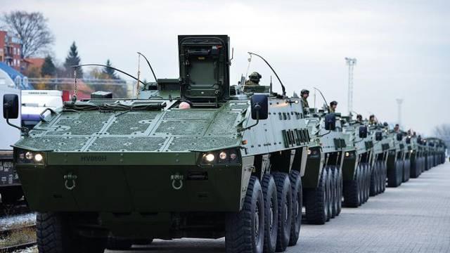 MORH: Borbena oklopna vozila Patria upućena su u Litvu