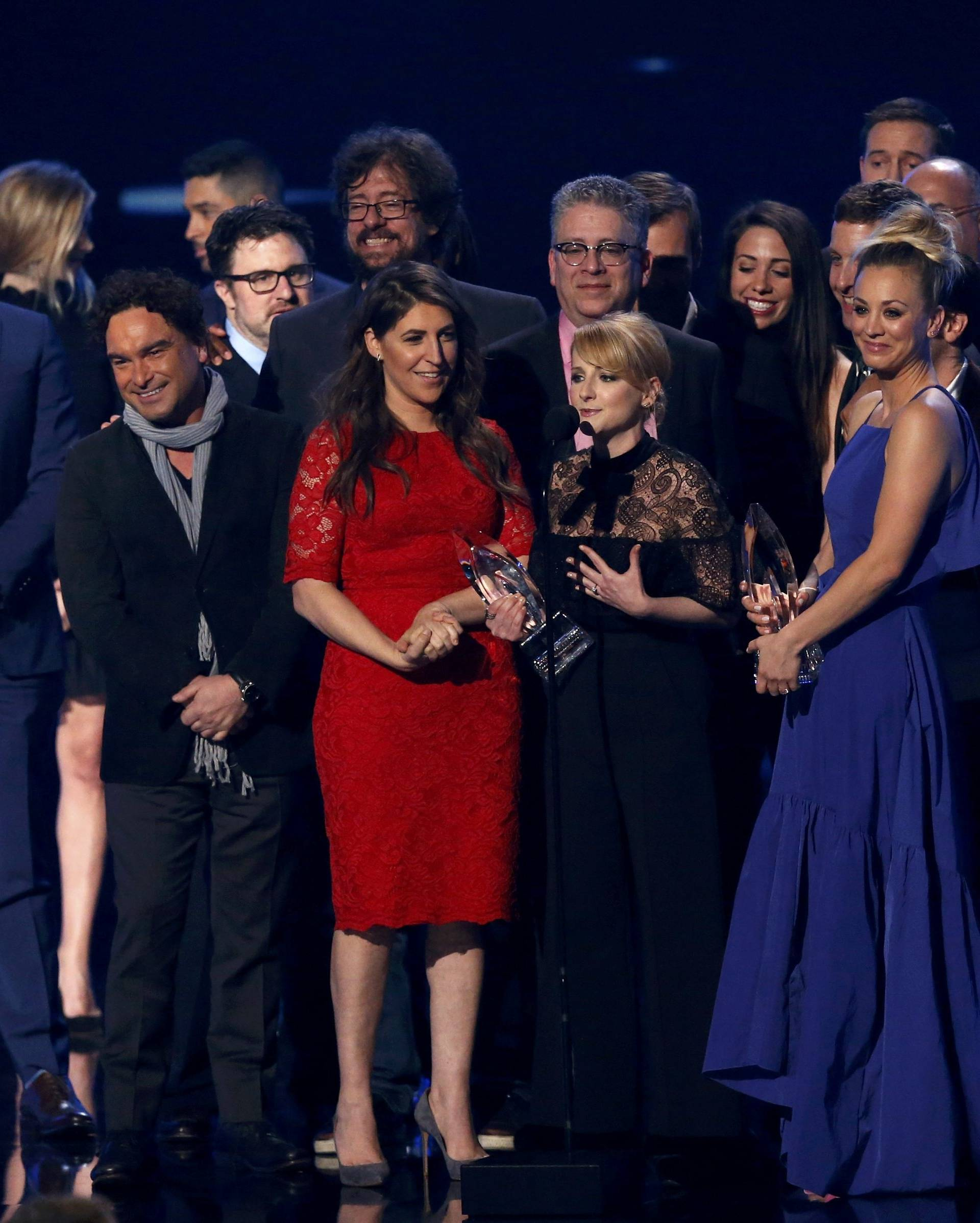 """The cast of """"The Big Bang Theory"""" accepts the award for Favorite Network TV Comedy at the People's Choice Awards 2017 in Los Angeles"""