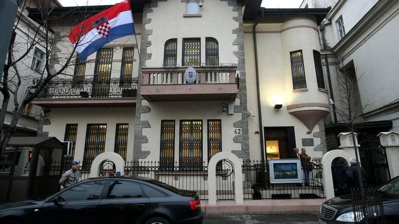 Biščević o skidanju hrvatske zastave s veleposlanstva: 'To je odraz dijela atmosfere u Srbiji'