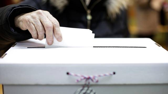 Zagreb: Davor Bernardić glasovao na predsjedničkim izborima