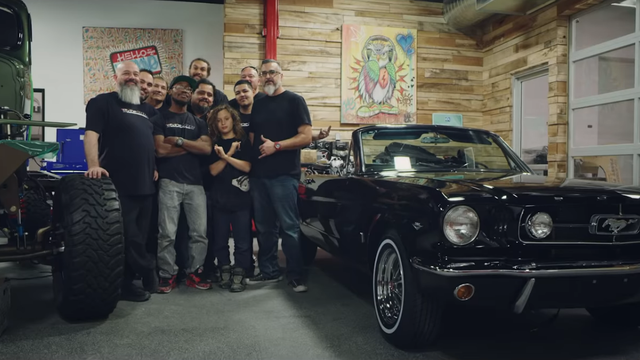 Momoa renovirao ženin auto: 'Taj Mustang kupila je sa 17'