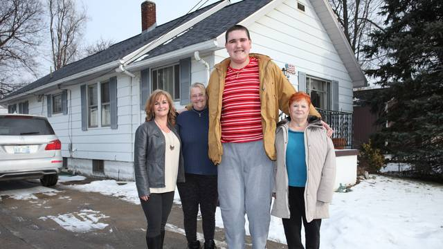 The 7ft 8in Teen Who Can't Stop Growing: BORN DIFFERENT