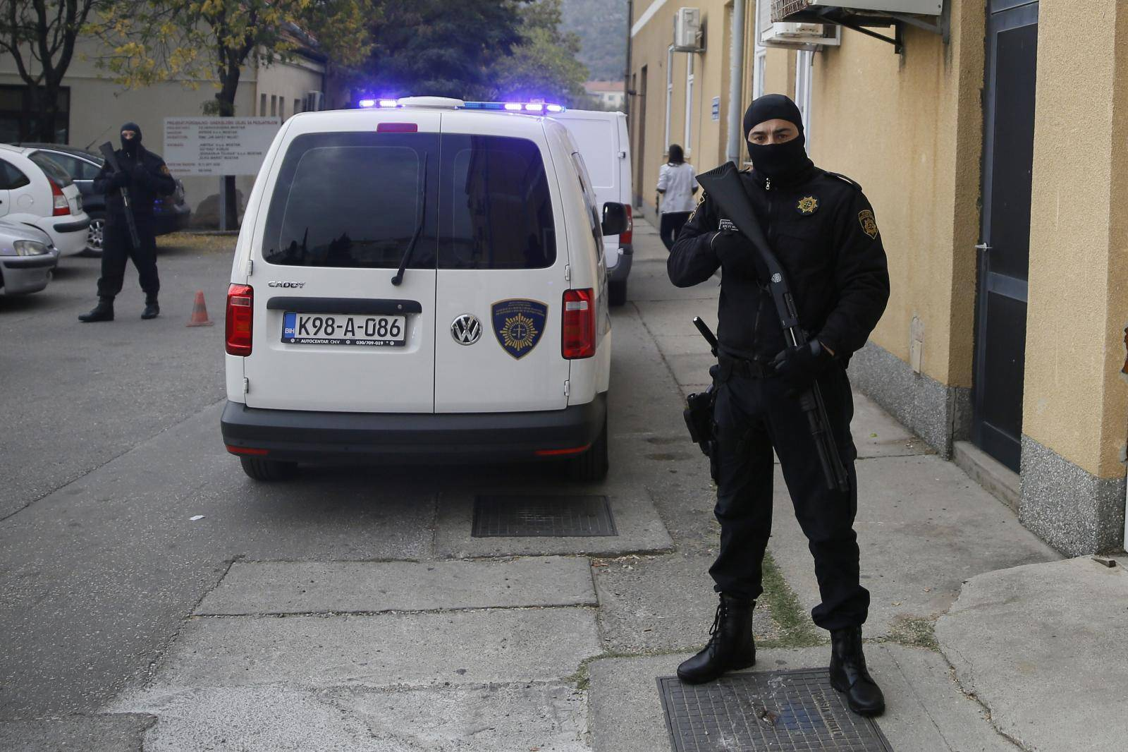 Blokirali ulice: Fatalnu Sunitu duge cijevi dopratile u bolnicu