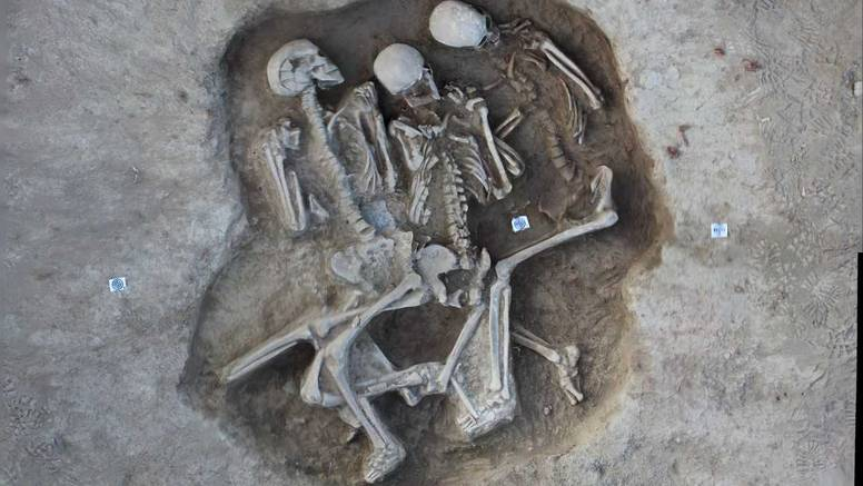 U Slavoniji pronašli grob s tri kostura star oko 5000 godina