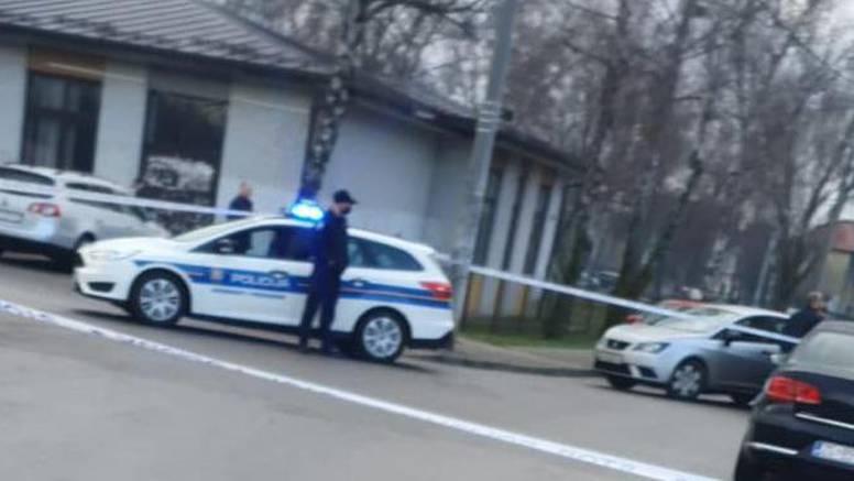 Netko izrešetao auto u Zagrebu