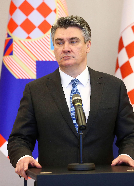 Zbog virusa: Milanović će se obratiti javnosti u 19 sati