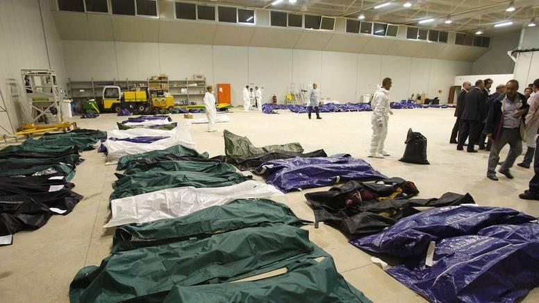 Zagrljeni na dnu mora: Izvukli iz mora još 70 tijela imigranata