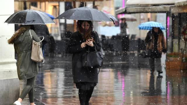 Bit će kiše, susnježice, snijega, zapuhat će i orkanska bura...