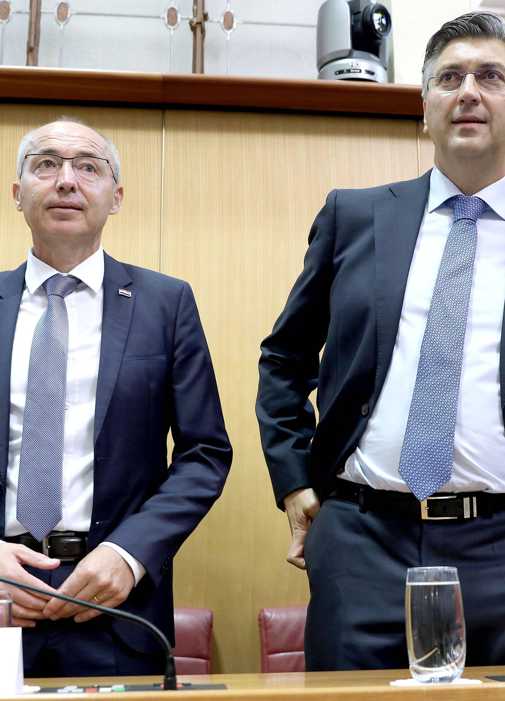 Krstičević odlazi iz Vlade. Ali zato izlazi na izbore. HDZ zna.
