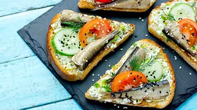 Smoked,Sprat,Sandwich,-,Fish,,Boiled,Egg,,Fresh,Cucumber,And