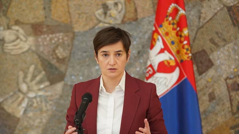 'Hrvati su opsjednuti Vučićem i to je zastrašujuće. Ne mogu odlučiti je li on peder ili švaler'