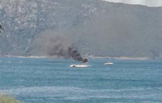 Kod Cresa je izgorio i potonuo gliser: 'Putnici su počeli skakati u more kako bi se spasili...'