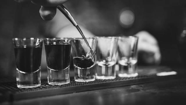 Koje sve tehnike maloljetnici koriste da bi došli do alkohola?